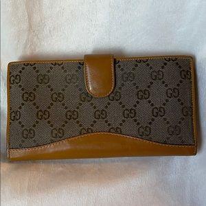 Authentic vintage Gucci wallet canvas & leather